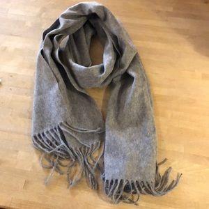 Nordstrom 100% Cashmere scarf